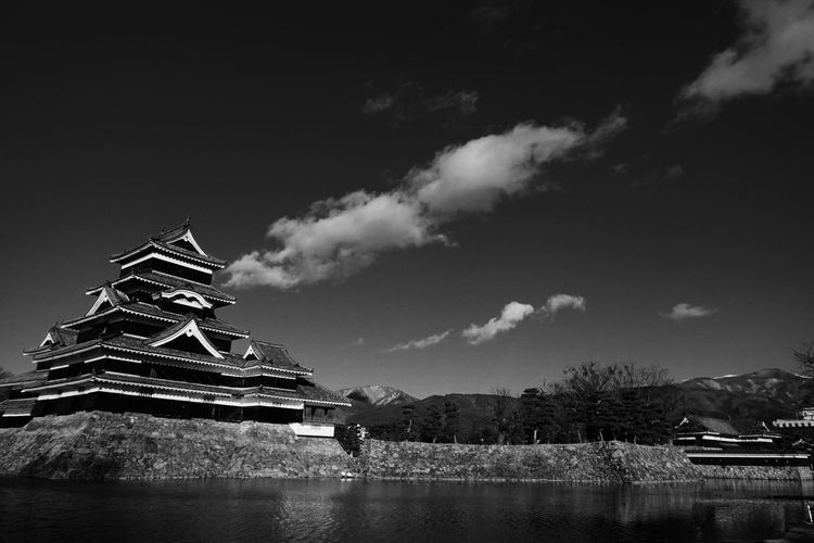 Matsumoto castle against sky