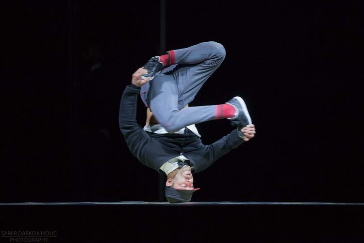 Redbull Flying Bach Breakdance BBOY Bboying Pharaography Headspin Bboylife RedBull Flyingbach Flyingsteps Berlin Germany Powermoves Energy Passion Tour Show AI Now