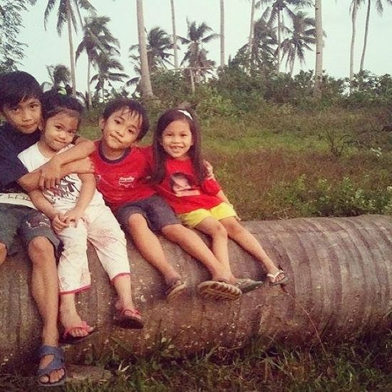 My nieces and nephews ❤ Sweetnessoverload Cousins  Lovelove Happykids Province Vacation Happyhugday Hugs