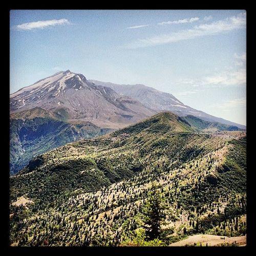 Mt St Helens, from Windy Ridge Mtsthelens  Cascademountains Volcano