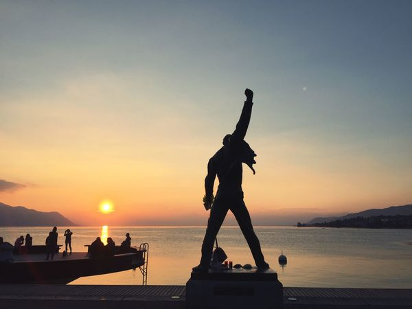 Show must go on Sunset Silhouette Statue Tranquility Dusk Sun