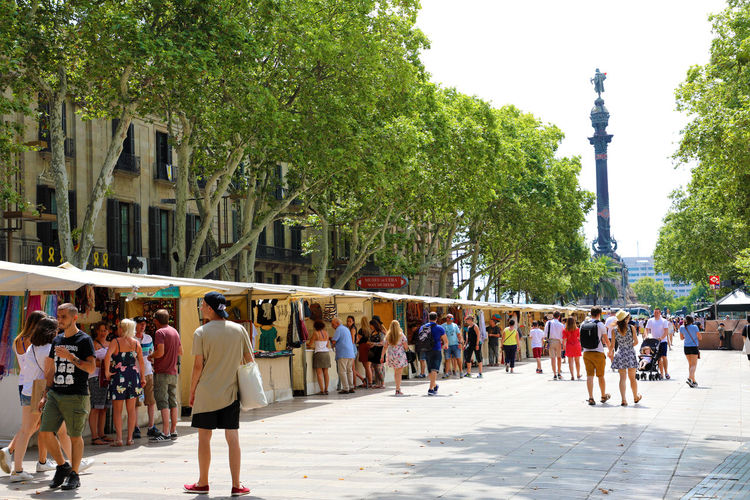 Barcelona Barcelona Barcelona España Barcelona, Spain Barcelona♡♥♡♥♡ Catalonia La Rambla Rambla Ramblas SPAIN Square Barceloneta Beach Crowd Of People Las Ramblas De Barcelona. Plaza Real Street