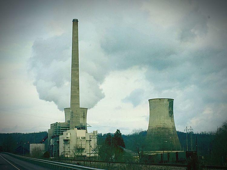 Smokestack Ashland, Kentucky Power Plant Steam Coal Smaug's Lair Kentucky