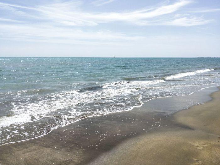 Water Wave Sea Beach Sand Beauty Summer Backgrounds Sunlight Water's Edge