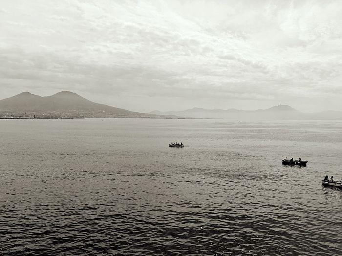 Napulé Sea Vesuvio Naples, Italy Water Sky Beauty In Nature Mountain Scenics - Nature Waterfront