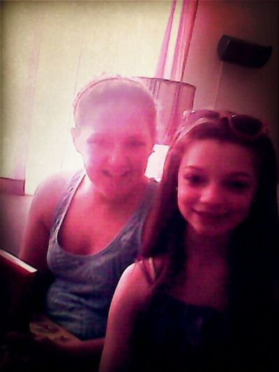 ME AND MY OLDER SISTA!!!!!!!!!