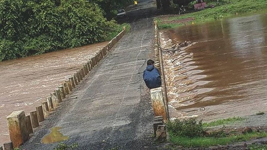 कधी कधी एकांत असाही आसावा दूथडी भरून वाहनार्या नदीकाठी बसन्याची गंमत काही औरच Good morning Maharastra_ig Iger_maharashtra Maharastra Ig_maharashtra Ig_kolhapur Insta_maharashtra