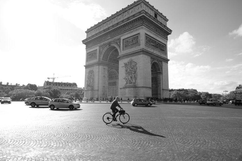 Travel Destinations Bicycle City Street Architecture Paris Blackandwhite Fuji X-T1 Black And White Photography Blackandwhitephotography Blac&white  City Paris, France