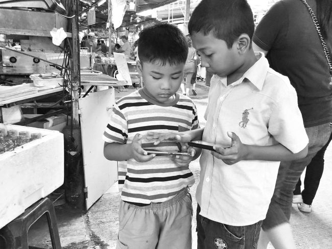 Monochrome Black And White Blackandwhite Street Photography IPhoneography Iphoneonly Iphone 6 Plus People Phuket Town Kid Thai People