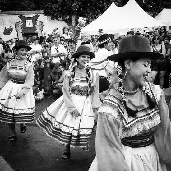 Traditional peruvian dance in Paris/Baile típico del Perú en Paris Bynperu Conpdepatria Igersperu Discoverperu teamoperu peruvian_ambassadors iloveperu instaperu photooftheday
