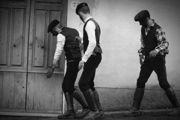 B&w Street Photography Youth Traditional Clothing Bnw_friday_eyeemchallenge Bnw_street Italy Streetphoto_bw Bolotana Black & White