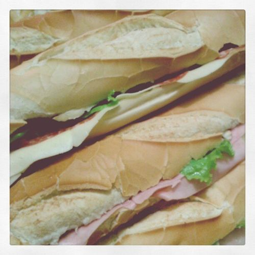#pao #metro #lanche #sanduiche #queijo #presunto #alface Metro Pao Lanche Queijo Alface Sanduiche Presunto