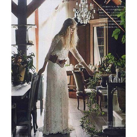 パリの デルフィーヌ・マニヴェの総レースなドレスをウエスタンチックなベルトと風を含むヘアースタイルで、オシャレ度数の高い写真に仕上げていただいた、ゼクシィ掲載のページ、感謝です。。。 デルフィーヌマニヴェ ウェディングドレス クリオマリアージュドレス ドレス Cliomariage Weddingdress Dress ドレス カラードレス クリオマリアージュ ガーデンウエディング Wedding ウェディング 結婚 結婚式 結婚式準備 タキシード アクセサリー ヘッドドレス ギフト ブライダル Fashion ファッション ナチュラル プロポーズ 渋谷婚纱撮影前撮りプレ花嫁結婚準備