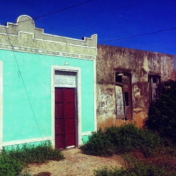 Lo viejo y lo no tan nuevo Bocaderio Macanao IgersVenezuela Instagram Insta_ve Instapro_ve Instalandve Margarita_ve Galeriavzla Gf_venezuela InstaLOVEnezuela House Old Town