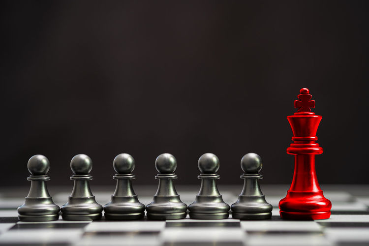 Red king chess