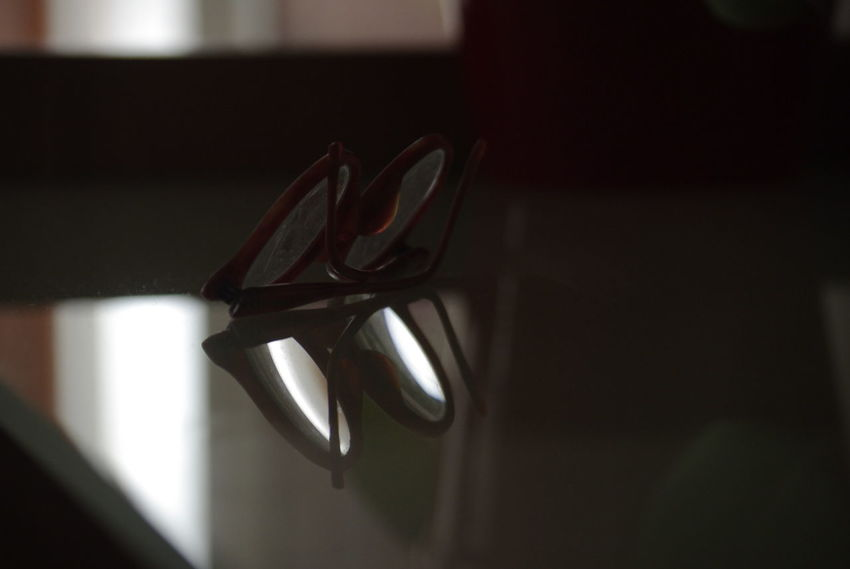 Close-up Daylight Glass Shelf Glasses Googles Indoors  Lieblingsteil Mirror Effect Neutral Colors Old Things Reflecting Reflection Retro Retro Style Single Object Diopter Light And Shadow Still Life Minimalism