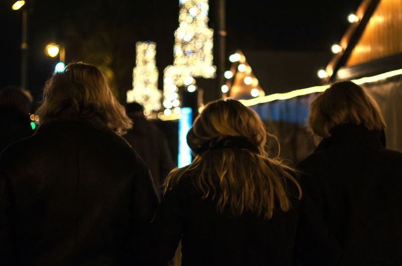 People Watching Open Edit Christmas Lights Streetphotography Uniform Monoculture Battle Of The Cities Monochrome Photography Discover Berlin The Street Photographer - 2018 EyeEm Awards International Women's Day 2019