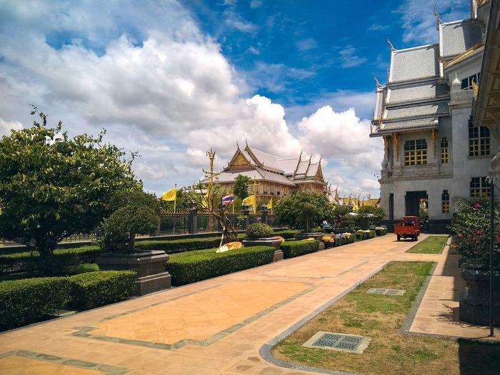 Cloud - Sky History Architecture Travel Destinations Museum Sky Outdoors Royalty No People Day City Tree Politics And Government Wat Sothonwararam Wat Sothon Thailand Temple