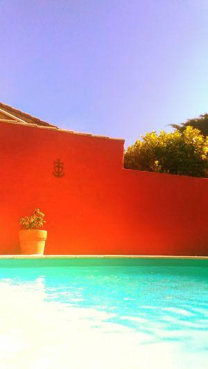 Swimmingpool Avignon Summer Holidays Bluesky Colors
