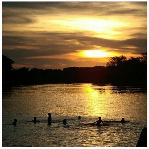 É aqui que eu amo. É aqui que eu quero ficar. Pois não há lugar melhor que Cuiabá 🎶Enjoying Life Cuiabacool Cuiaba40 Rio Cuiabá