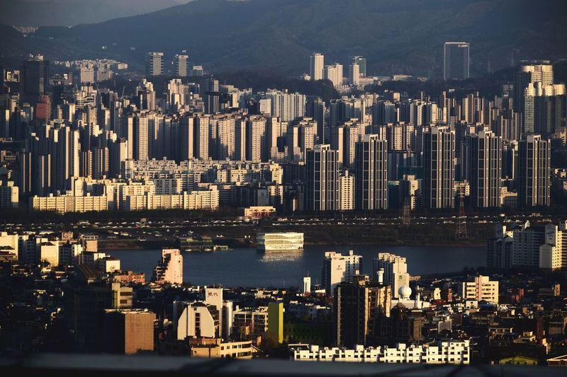 Mega city Seoul