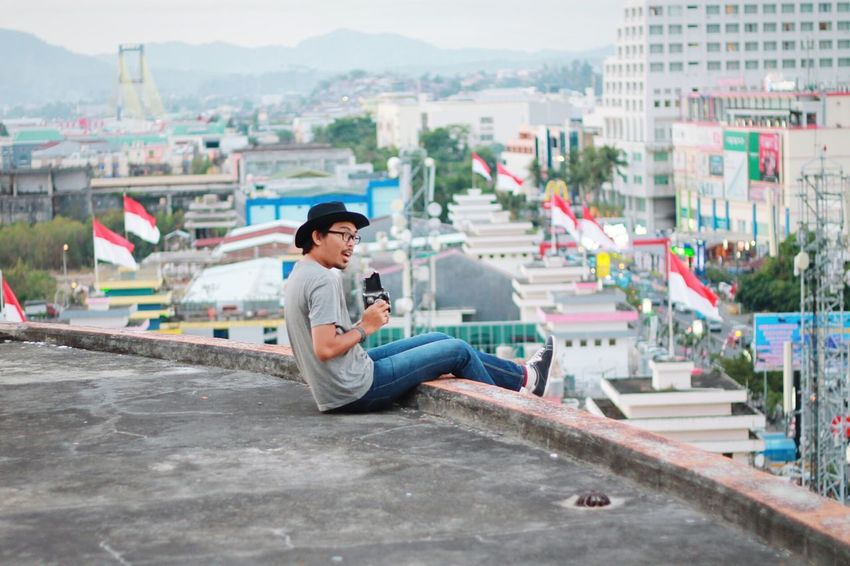 Hi! That's Me Taking Photos Check This Out EyeEm Best Shots Capturing Freedom Cityscapes From The Rooftop Self Portrait Around The World I Love My City The City Light