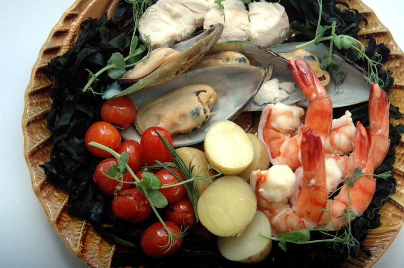 Food Food And Drink Freshness Healthy Eating Seafood Wellbeing Ready-to-eat Vegetable Crustacean Still Life Fruit High Angle View Indoors  Plate Prawn Shrimp - Seafood No People Serving Size Close-up Tomato Garnish Dinner Bouillabaisse Eyeem Philippines Eyeem Philippines Album