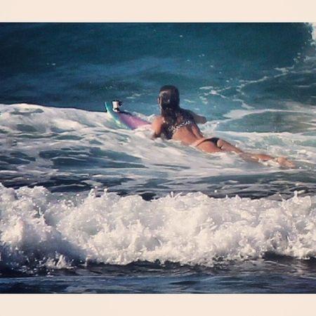 I'm already missing the Hawaiian winter Ja estou sentindo falta da temporada havaiana Surf Bigwaves Hawaii Surfgirl home surfseason winter instasurf lovesurf