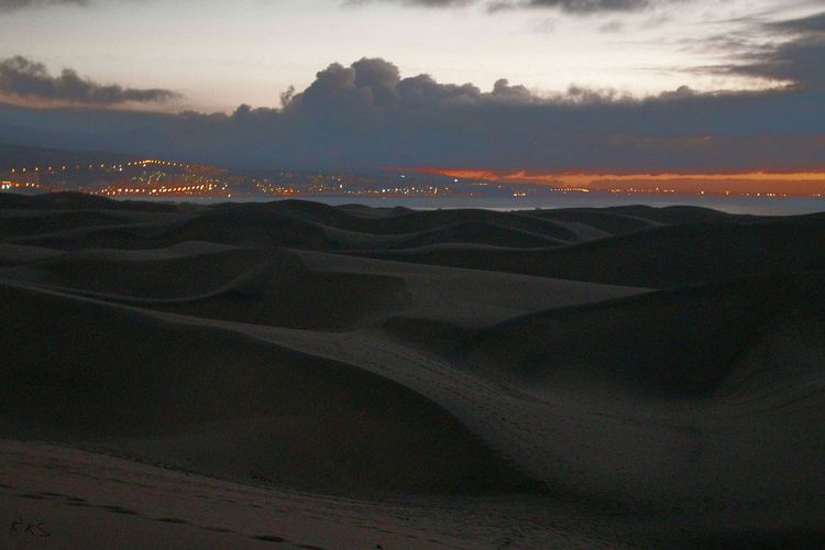 Sand Dunes Deserts Around The World Morning Walk Sunset Sun Clouds Skylovers Sky Nature Beautifulinnature Naturalbeauty Photography Landscape [a:35 [ Cityscapes Gran Canaria Travel Photography Beachphotography Colorsplash Landscape_Collection Twillight Sandy Lands Seeing The Sights Places You Must To See My Best Photo 2015 High Angle View Highlights From Aerial Shot Turn Your Lights Down Low Sky All The Neon Lights Learn & Shoot: After Dark Urban Landscape White Wall Beach Photography
