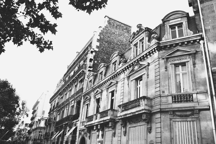 Streets of Paris Paris Blackandwhite Photography Black & White Elegant Black & White Blackandwhite Street No People Old Buildings Old House Old Town Old Architecture Architecture Day EyeEm EyeEmNewHere Your Ticket To Europe Mix Yourself A Good Time Be. Ready.
