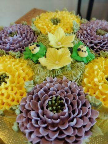 My Cupcakes My Flowers My Job I Love Baking 😘😘