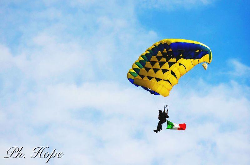 Ph. Hope Paracadutisti Paracadutismo Volo Fly Photo Sun Shadow 89'adunata Degli Alpini Asti