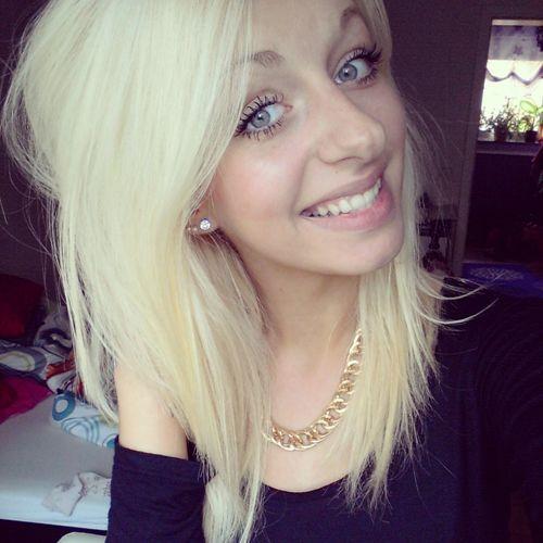 Smile Blonde Hair Dnt Care !! Hakuna Matata