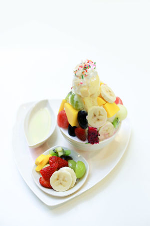 fresh mix fruit with ice cream Asian  Blueberry Close-up Day Food Food And Drink Freshness Fruit Healthy Eating Ice Cream Mix Fruits No People Plate Ready-to-eat Studio Shot Sweet Food White Background first eyeem photo