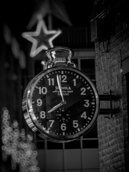 Accuracy Argonite 1069 Bokeh Christmas Circle Clock Close-up Communication Control Design Detroit, MI Exterior Hanging Information No People Number Old-fashioned Round Shinola Sign Single Object Star Still Life Time Wall