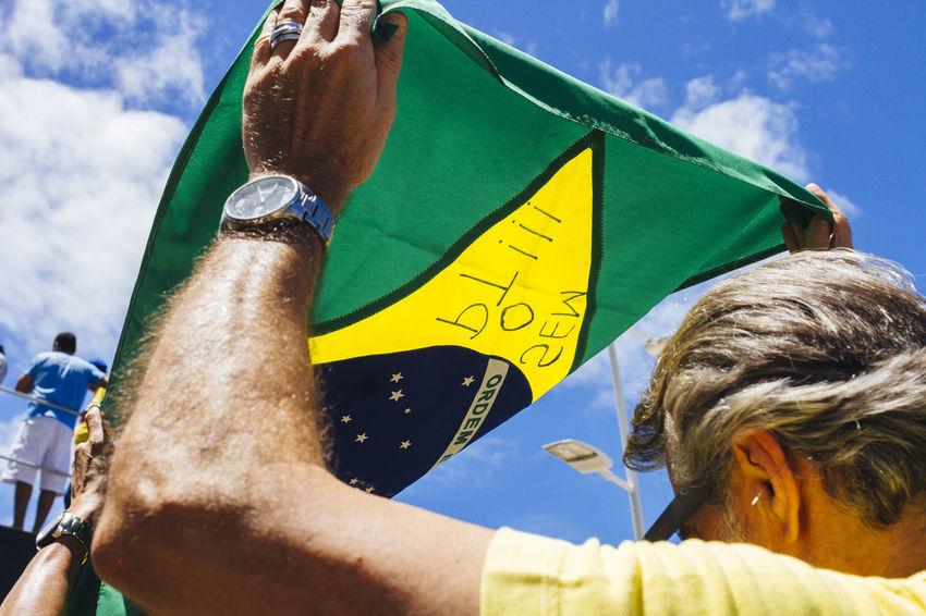Brazil Brazilian Flag Dilma Roussef Flag No Corruption Peacefull Protests Presidential Impeachment Protests Protests In Brazil Ptsd Awareness Riot Sunny Day The Photojournalist - 2016 EyeEm Awards Fuji Astia