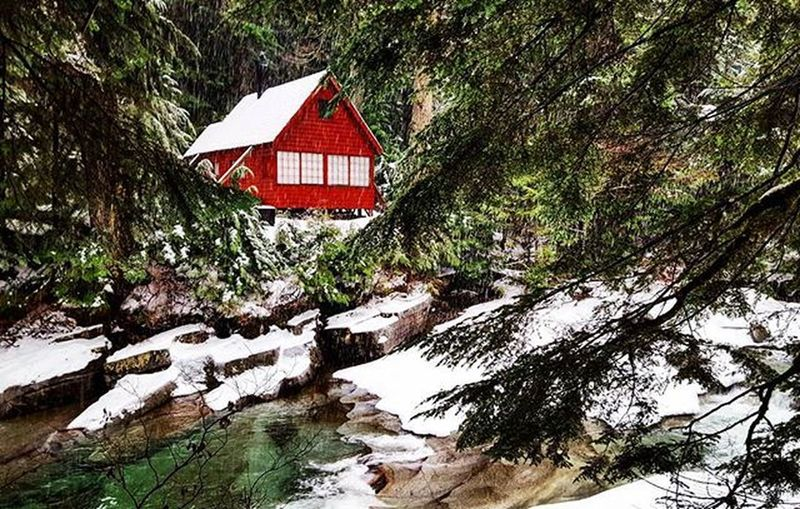 When I saw this snowy little cabin in the woods, my whole idea of a dream vacation home shifted. A quiet, cozy weekend here? Perfection.