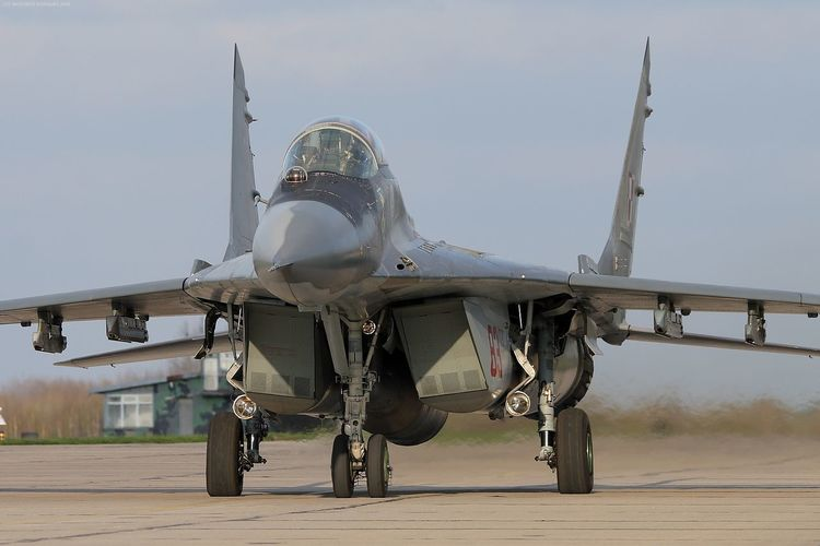 Air Force Aircraft Fighter Fighter Plane Fulcrum Mig-29 Mikoyan I Gurevich Mikoyan Mig-29 Runway Smoker