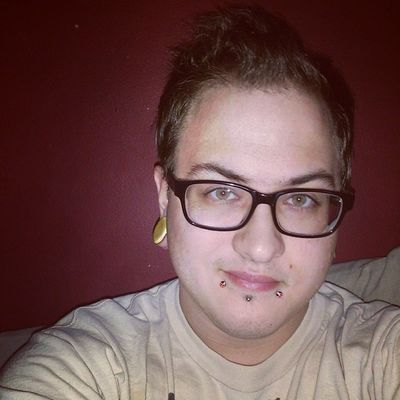 Just chilling out in my room playing an FPS. :p Guy Tflers Brony Piercing Stretchedlobes Labret Wayfarers Selfies Plugs Snakebites Male Captivebeadring Emo Stretchedears Mlp Fim Attractive Deepburgundy Otaku Cute Gauges Guyswithplugs Guyswithstretchedears Bodyjewelry Evantelico selfie geek freak septum firstpersonshooter