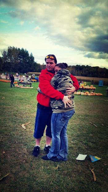 My love boyfriend and me at the pumpkin patch with my family :) PumpkinPatch🎃 Cold Days Weather My Love