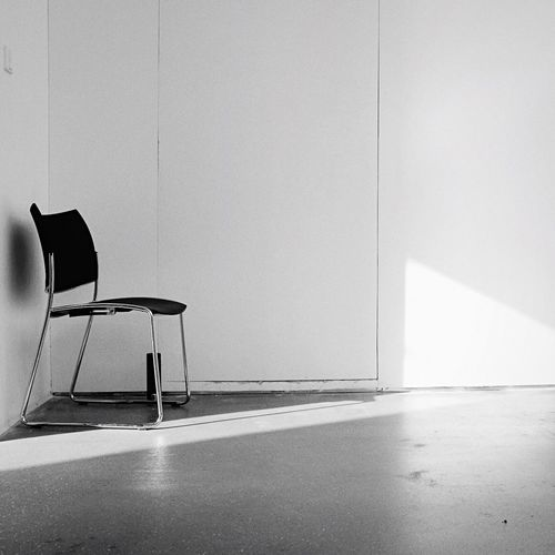 Chair Empty Furniture No People Indoors  Seat Architecture Sparse Modern Day Sunny Sunny Day The Week On Eyem Black And White Portrait Black And White Collection  Light And Shadow Blackandwhitephotography Black&white Black And White Photography Blackandwhite Photography Sunlight Black & White Blackandwhite Space Indoors
