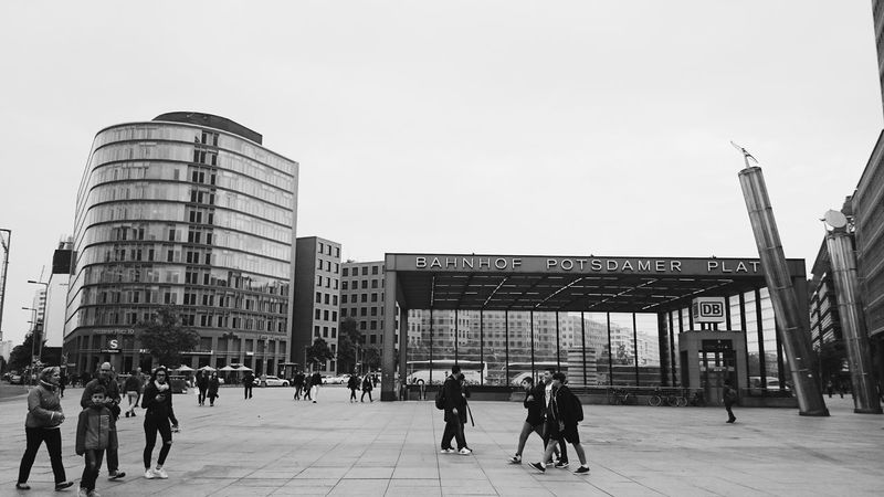 Blackandwhite Streetphotography Streetphoto_bw Bnw Berliner Ansichten