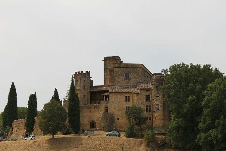 France🇫🇷 Lourmarin Château
