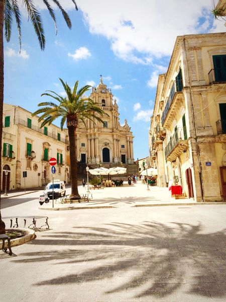 Love Sicily Palmtrees Baroque Architecture