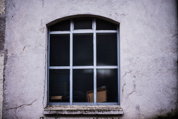Abandoned Backgrounds Bad Condition Brick Wall Closed Day Deterioration Door Full Frame Geometry Glass Glass - Material House Indoors  No People Old Pattern Ruined Transparent Wall Window