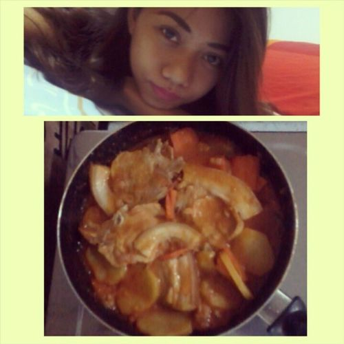 SELFIE AFTER COOKING (^_^) Homecook Michelle 'skitchen Foodie Dinnertime Yummyfood Feelingme Goodevening  Goodvibes Worklater Photogrid Instagram Instagram POTD Saturday <3