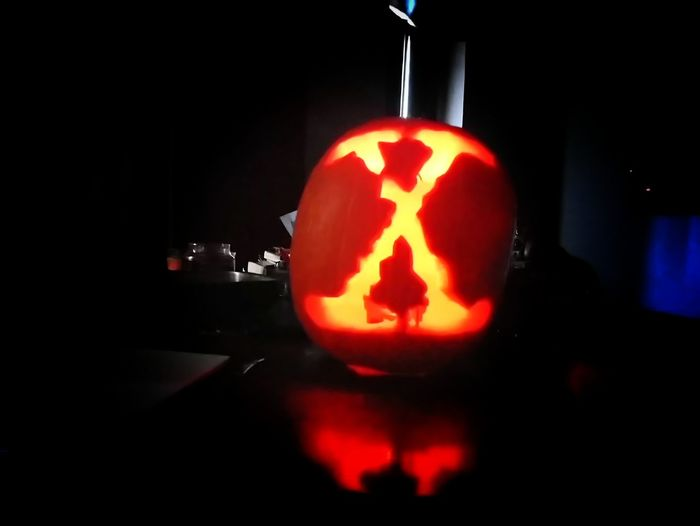 Two down, two to go! X Files Xfiles Scifi Pumpkin Carving Illuminated Pumpkin Jack O Lantern Xperia Xa1 Science Fiction Halloween Halloween_Collection FoxMulder Dana Scully DanaScully Indoors  Fan - Enthusiast Jack O' Lantern