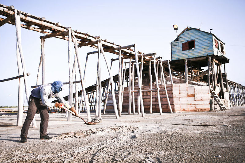 Documentary Documentaryphotography Dominican Republic Salt Worker Clandestine Haitian The Photojournalist - 2017 EyeEm Awards