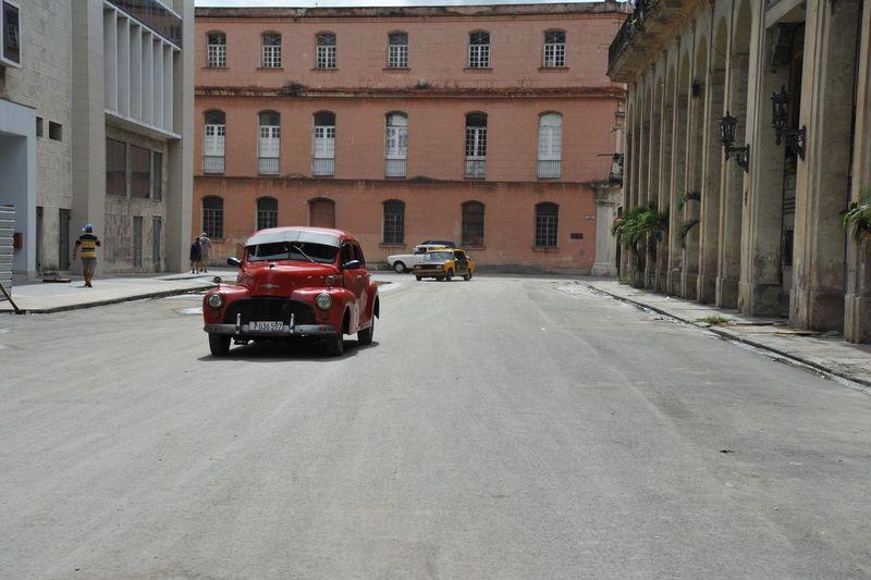 Havana Cuba Auto Taking Photos Hello World Hi! Travel Photography Nikon Hello World Nikonphotography Mondo Green Color Vacanze Tranquil Scene Cuban Cuba Collection