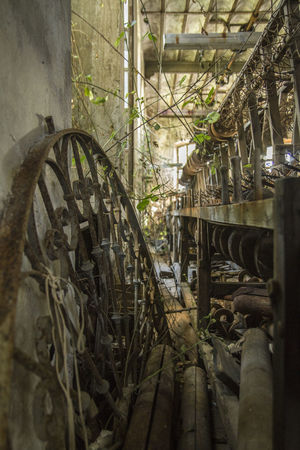 Day No People Architecture Close-up Weaving Weaving Table Weaving Machine Weavingchair Weaving Utensils Indoors  Old Buildings Weaving Loom Factory Lost Place Beauty Industry Focus On Foreground Industrial Weaving Craft High Angle View